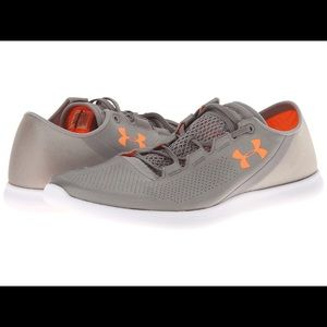 Under Armour Shoes - Excellent Condition Women's UNDER ARMOUR